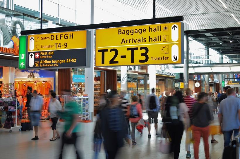aeropuerto-viajar-llegadas-equipaje